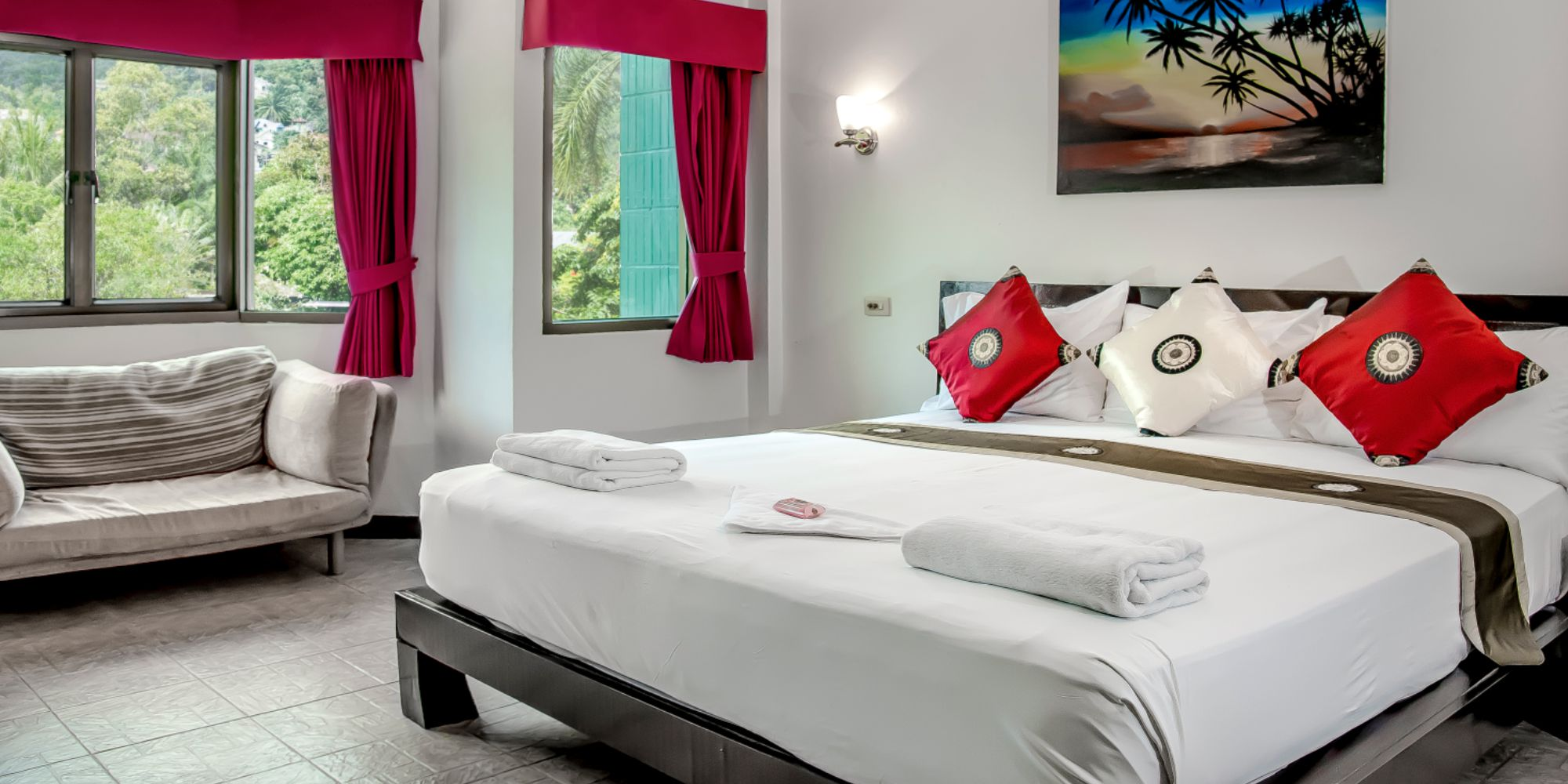 Angus O'Tool's | Where to Stay in Karon